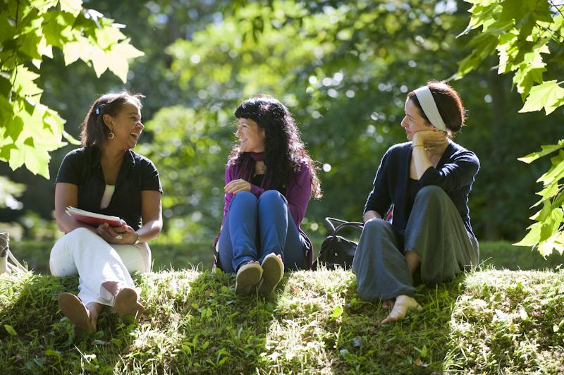 3 femmes heureuses, séjour linguistique en immersion dans une famille d'accueil