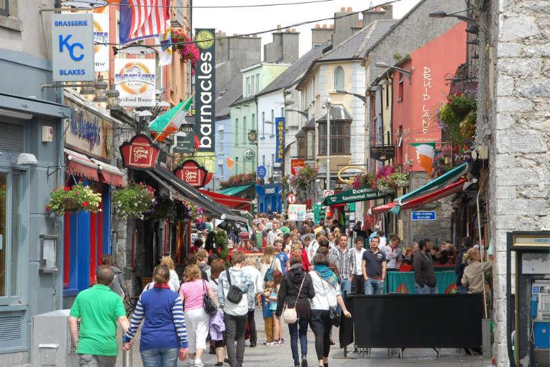 Rue de Galway en Irlande