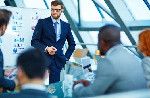 businessmen présentation orale professionnelle