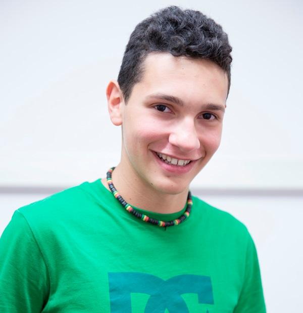 Maxime 17 ans, séjour en immersion chez le professeur en Angleterre