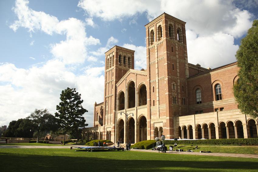 UCLA Campus préparer le TOEFL dans une Université américaine